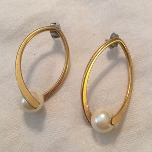 Vintage Pierced Earrings Gold Oval Pearl